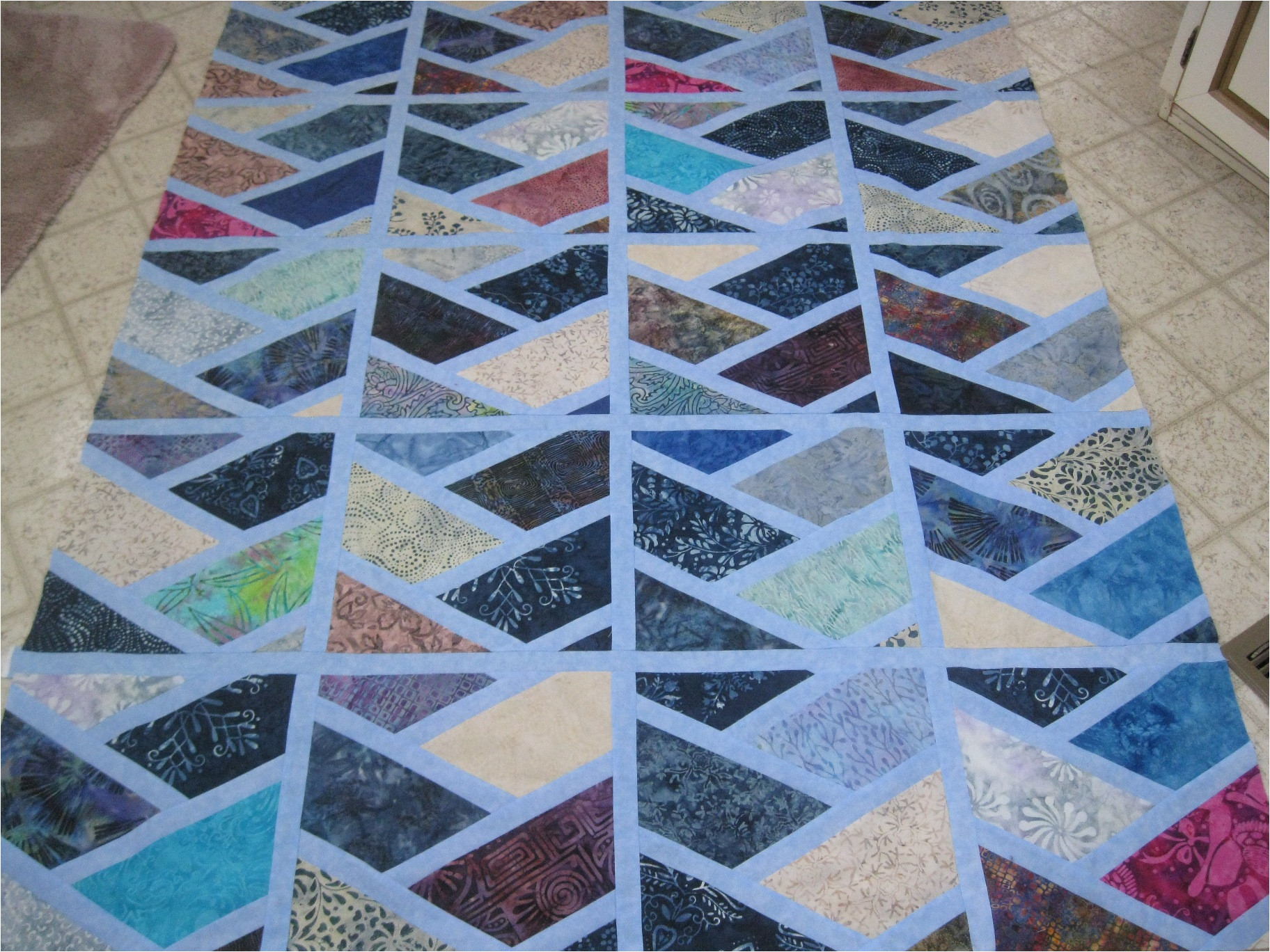 sashed half hexi quilt top t276510