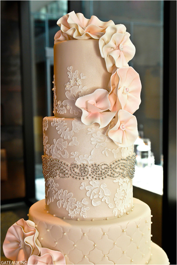 25 lace wedding cake ideas