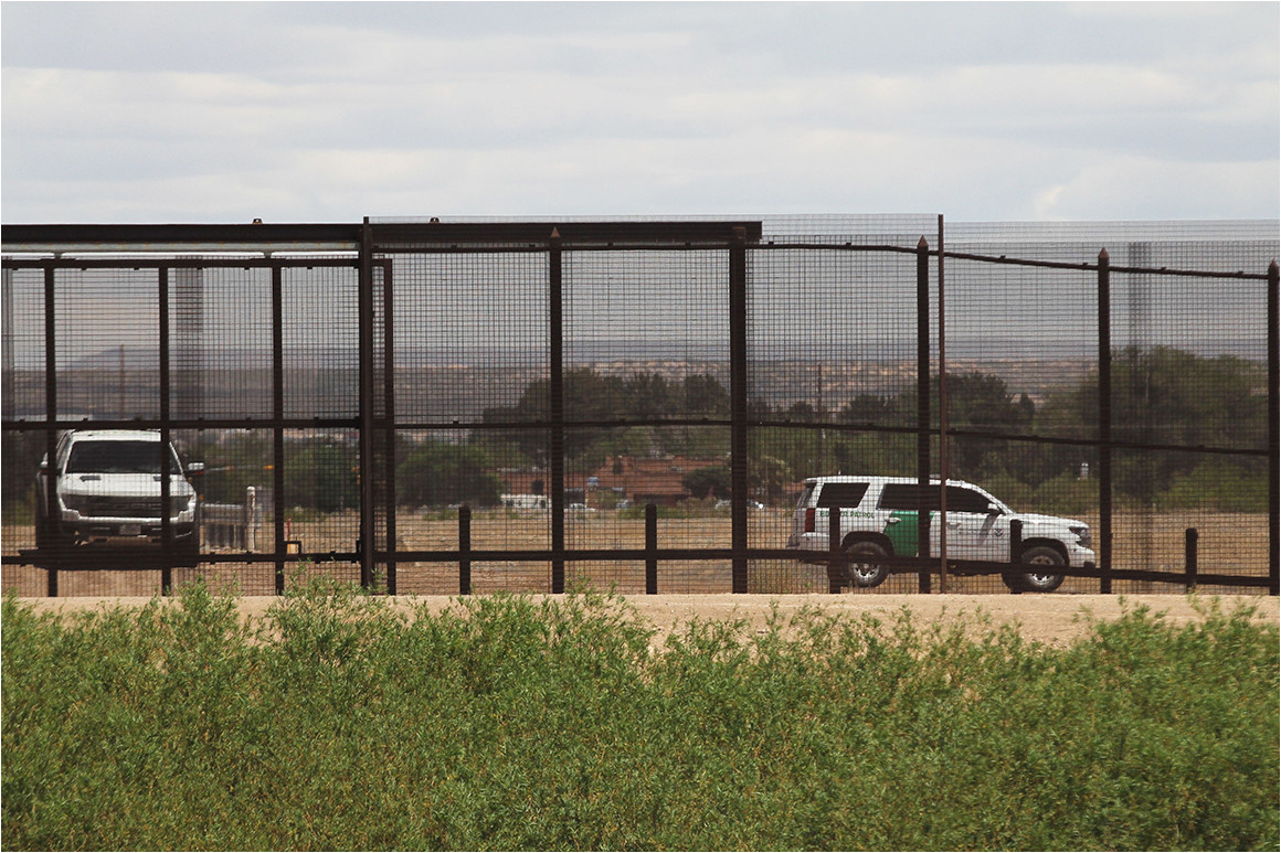 Border Crossing Card El Paso Trucks Sit for Hours In El Paso as Customs Pulls Agents for