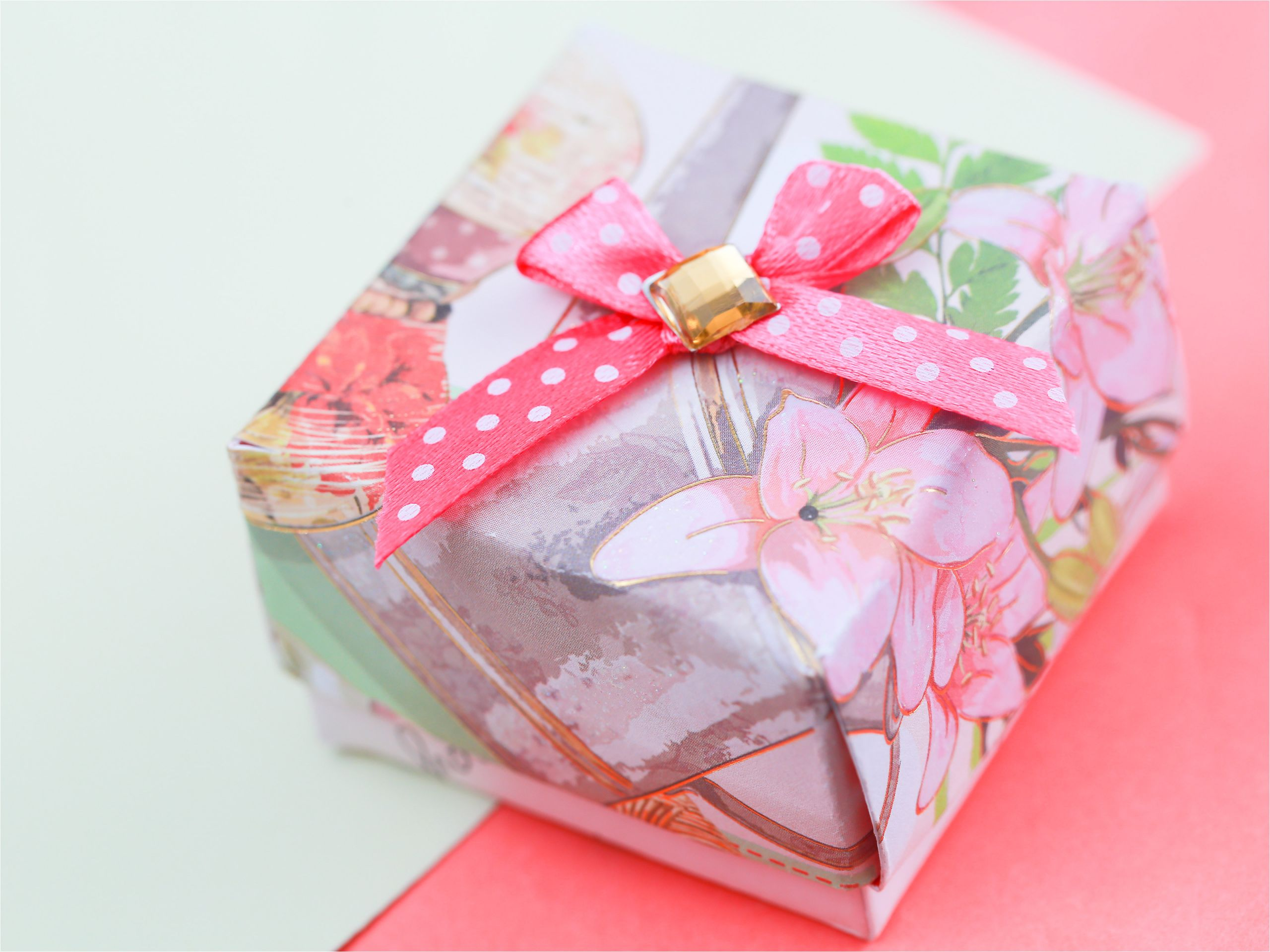 make a gift box out of a greeting card step 23 version 2 jpg