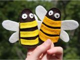Bee Finger Puppet Template Bumblebee Finger Puppets Free Pattern Diy toys Finger