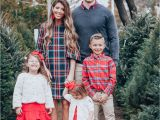 Christmas Card Family Photo Ideas Cute Family Christmas Outfits with Images Family