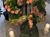 Lee S Flower and Card Shop Trauerdekoration Mit Bildern Beerdigung Blumen